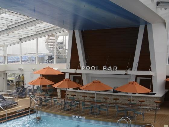 泳池畔酒吧